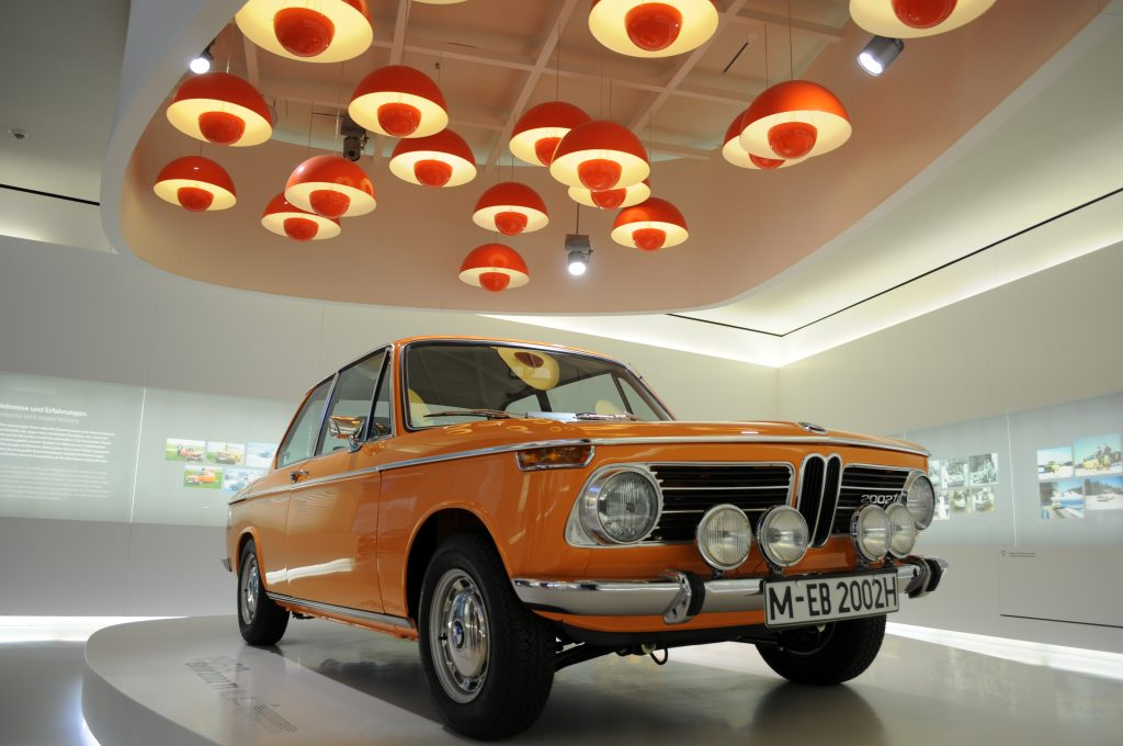 BMW 2002 TI (1968) - ©autoetstyles.fr