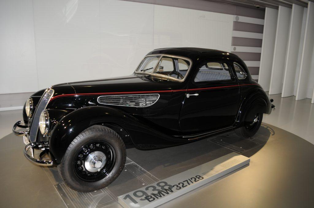 BMW 327/28 (1938) - ©autoetstyles.fr