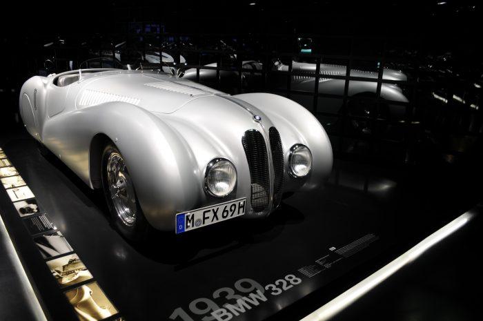 BMW 328 (1939) - ©autoetstyles.fr