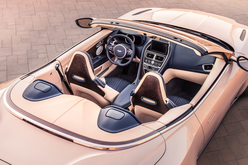 Intérieur de l'Aston Martin DB11 Volante