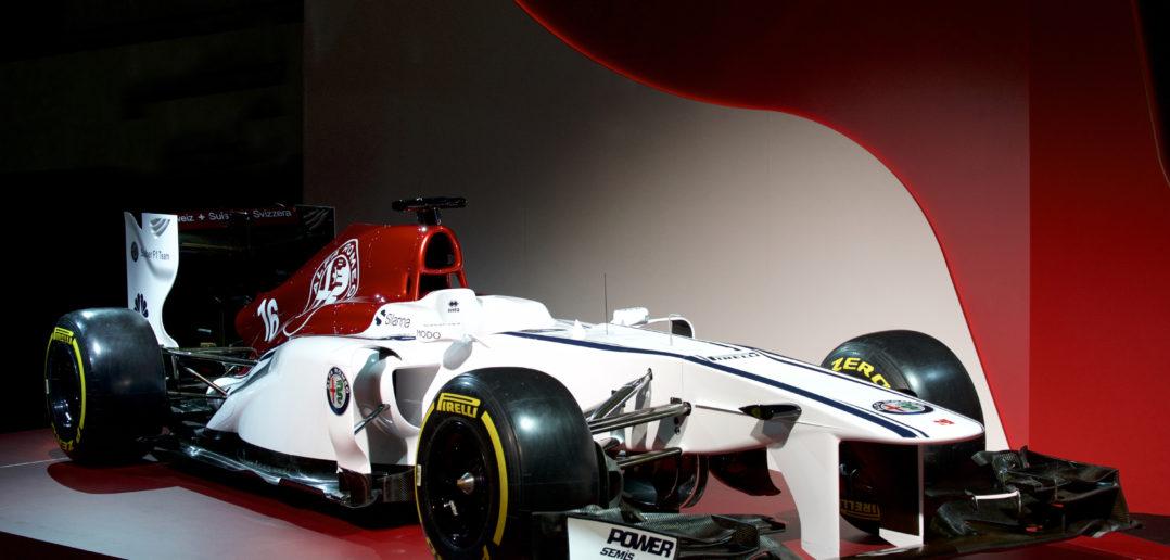 Formule 1 Alfa Romeo Sauber F1 Team de trois quart