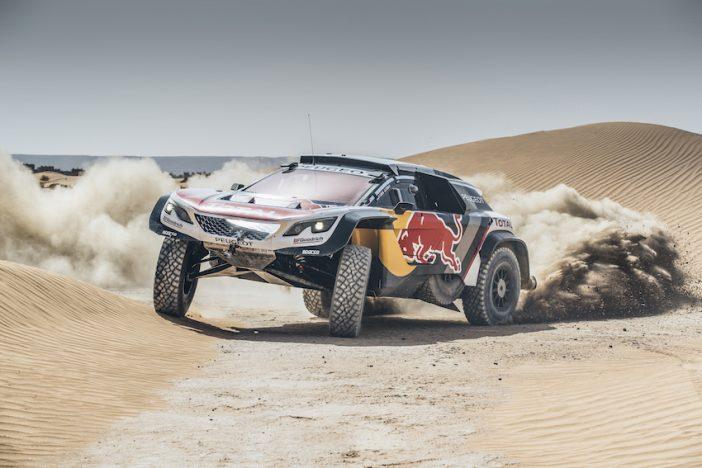 Le Peugeot 3008DKR Maxi en séance de test au Maroc avec Stéphane Peterhansel