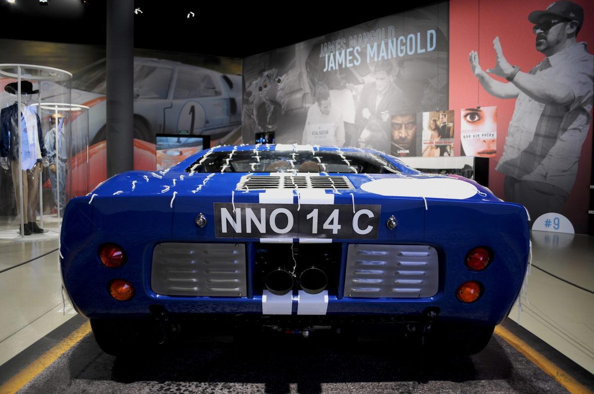 Arrière Ford GT40 bleue Le Mans 66